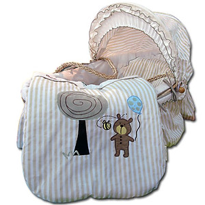 Bumble Bee Forever Friends Moses Basket